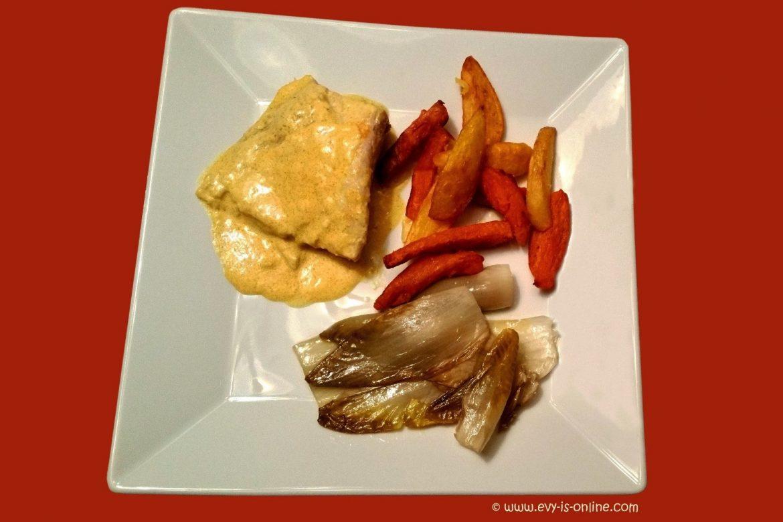 Pikantes Fischgericht mit Chicorée, Kartoffel- und Süßkartoffel-Frites