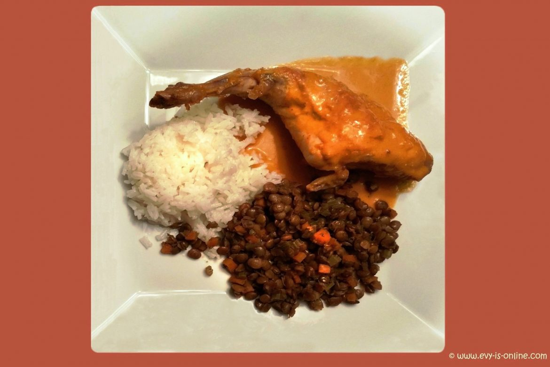 Conejo en salsa agridulce con lentejas y arroz