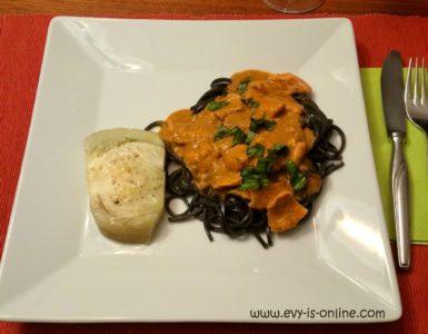 Tallarines negros con salsa de pescado e hinojo